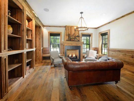 Pecan Wood on Floors